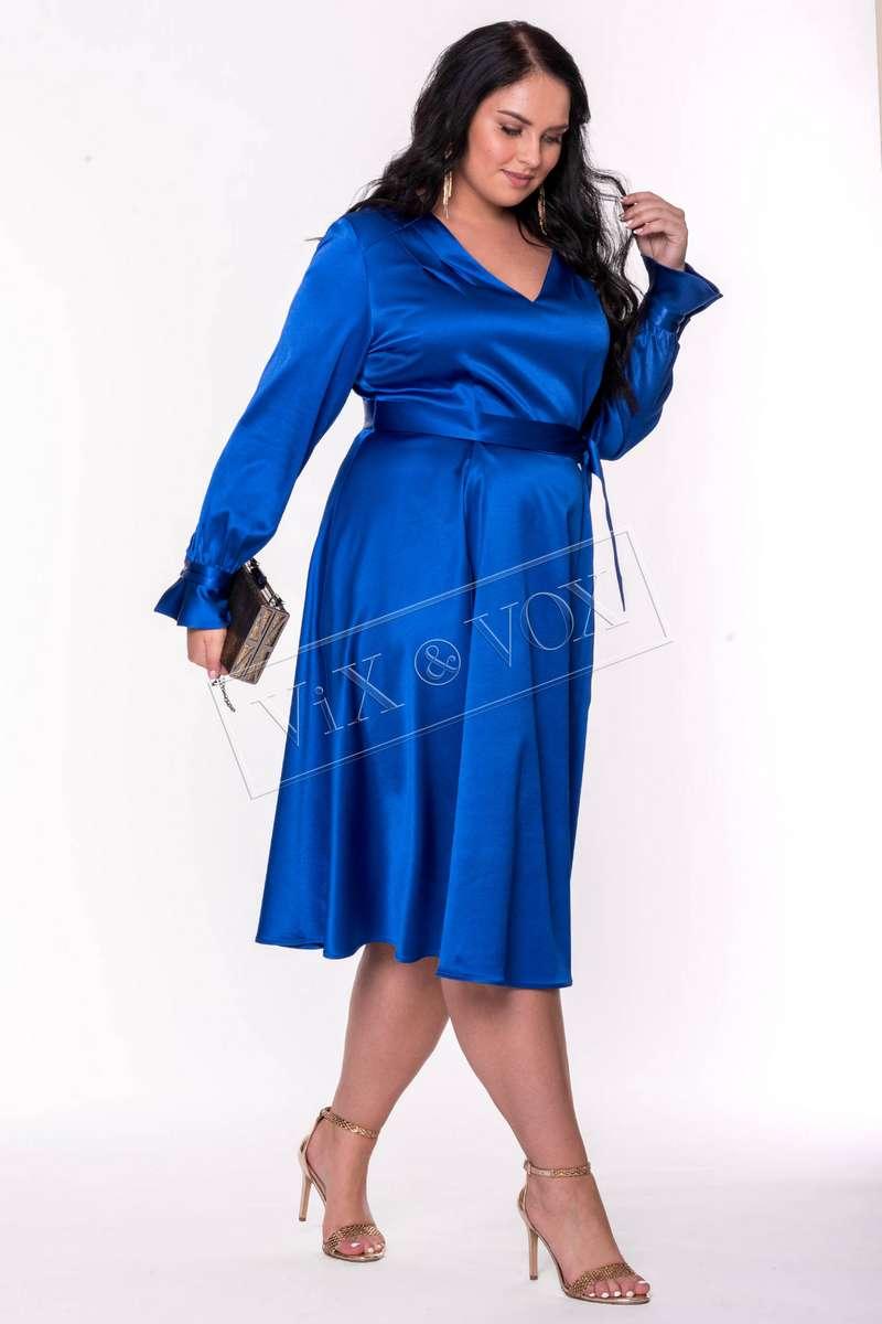 Потрясающе красивый образ в этом нарядном платье Леди Шарм