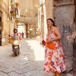 Анна Нетребко в новых летних образах: модный сарафан с цветочным принтом
